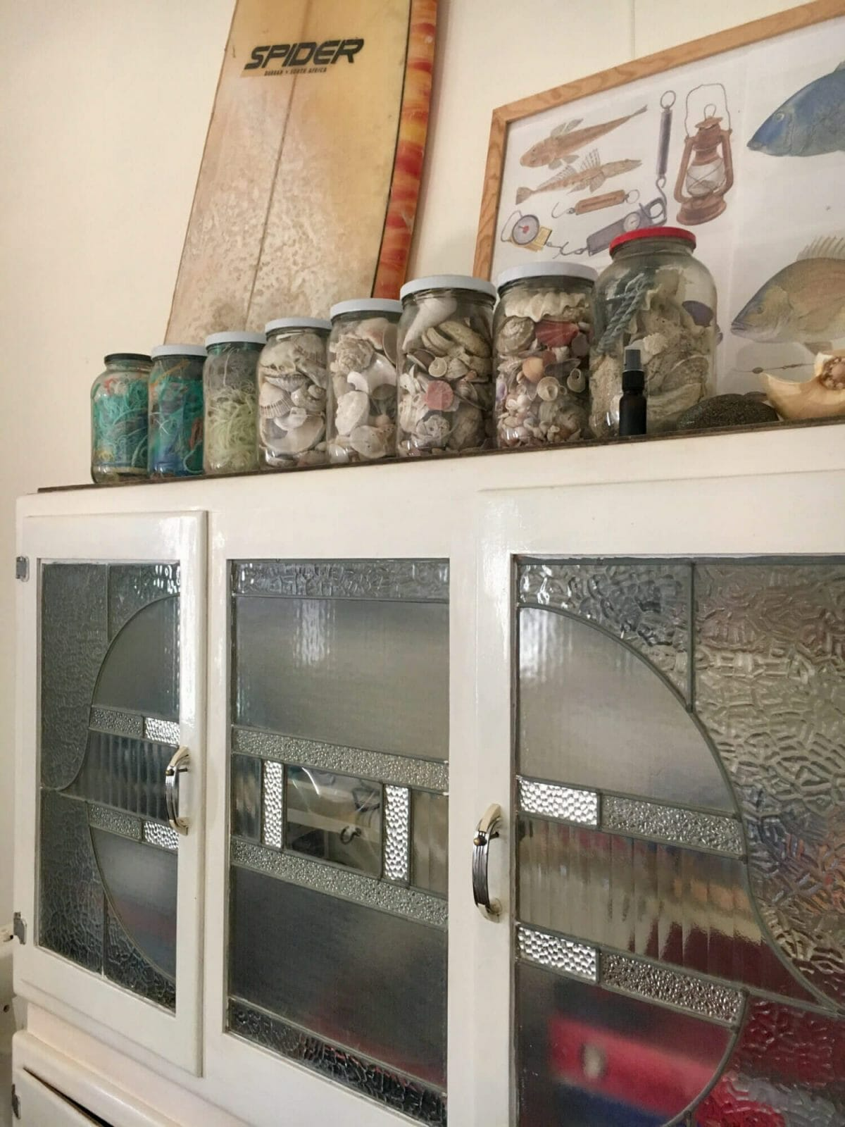 Weekender - Accommodation in Bremer Bay - 21 Barbara Street. House is full of beach decor and art
