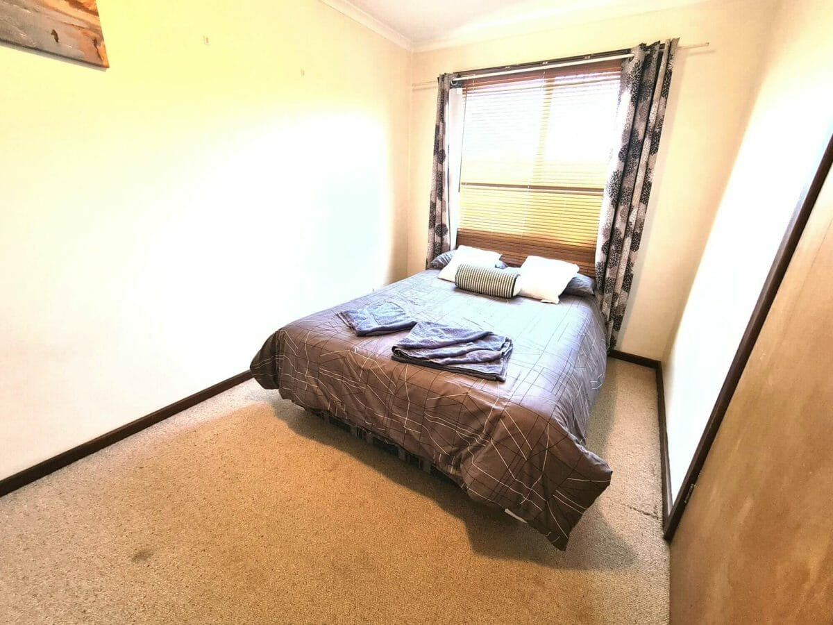 Mick's Pad - Accommodation in Bremer Bay - 23 Barbara Street - Bedroom 2 - Double Bed