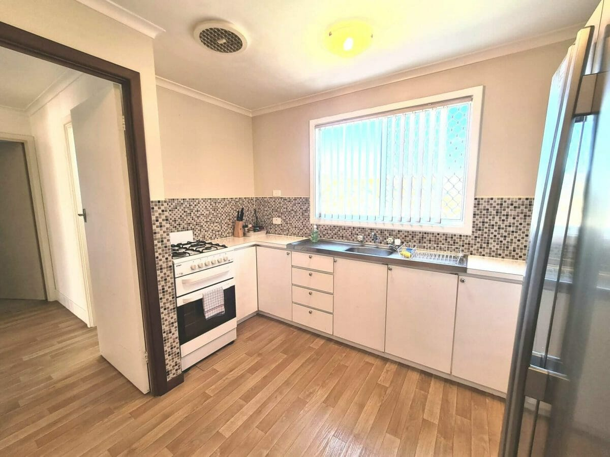 Mick's Pad - Accommodation in Bremer Bay - 23 Barbara Street - Kitchen - Oven