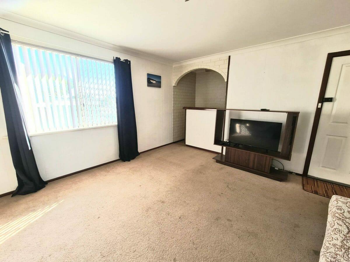 Mick's Pad - Accommodation in Bremer Bay - 23 Barbara Street - Lounge - TV