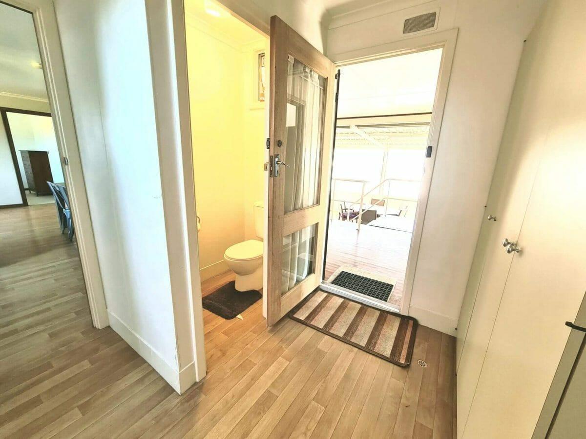 Mick's Pad - Accommodation in Bremer Bay - 23 Barbara Street - Toilet