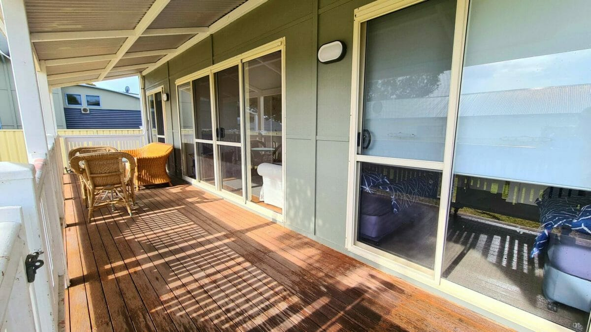 The Bay Cottage - Balcony - Accommodation in Bremer Bay - 9 Roderick Street